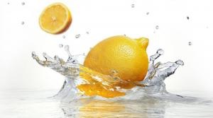 PUCKER UP! 4 REASONS TO START DRINKING LEMON WATER